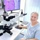 Prof. Thomas Dirschka an seinem Diagnostik-Arbeitsplatz